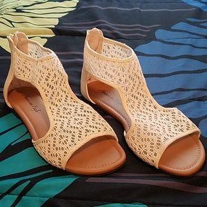 American Eagle Crochet  sandal heel zip open toe
